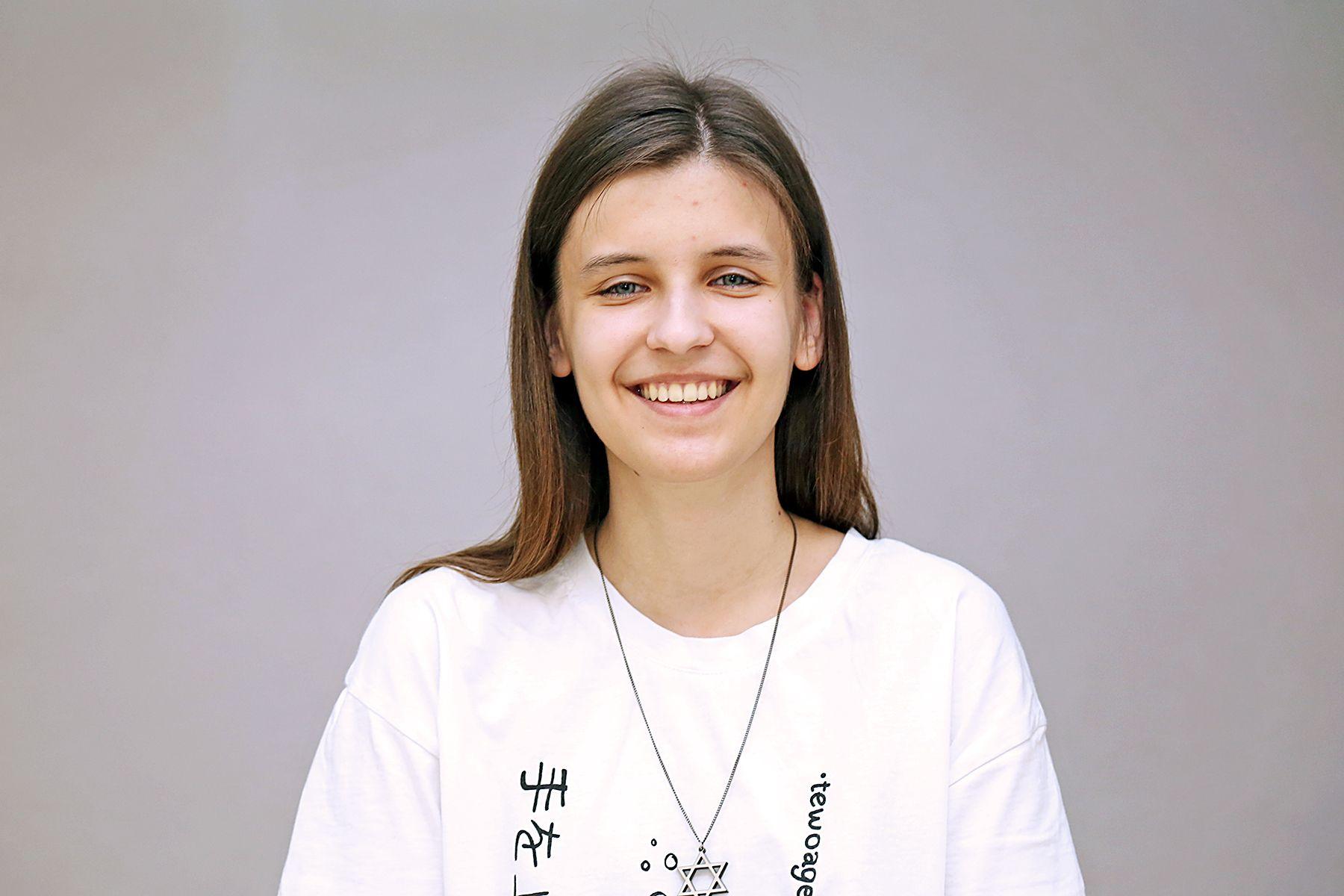 Первокурсники ВГУЭС победили на III Всероссийской онлайн-олимпиаде по английскому языку