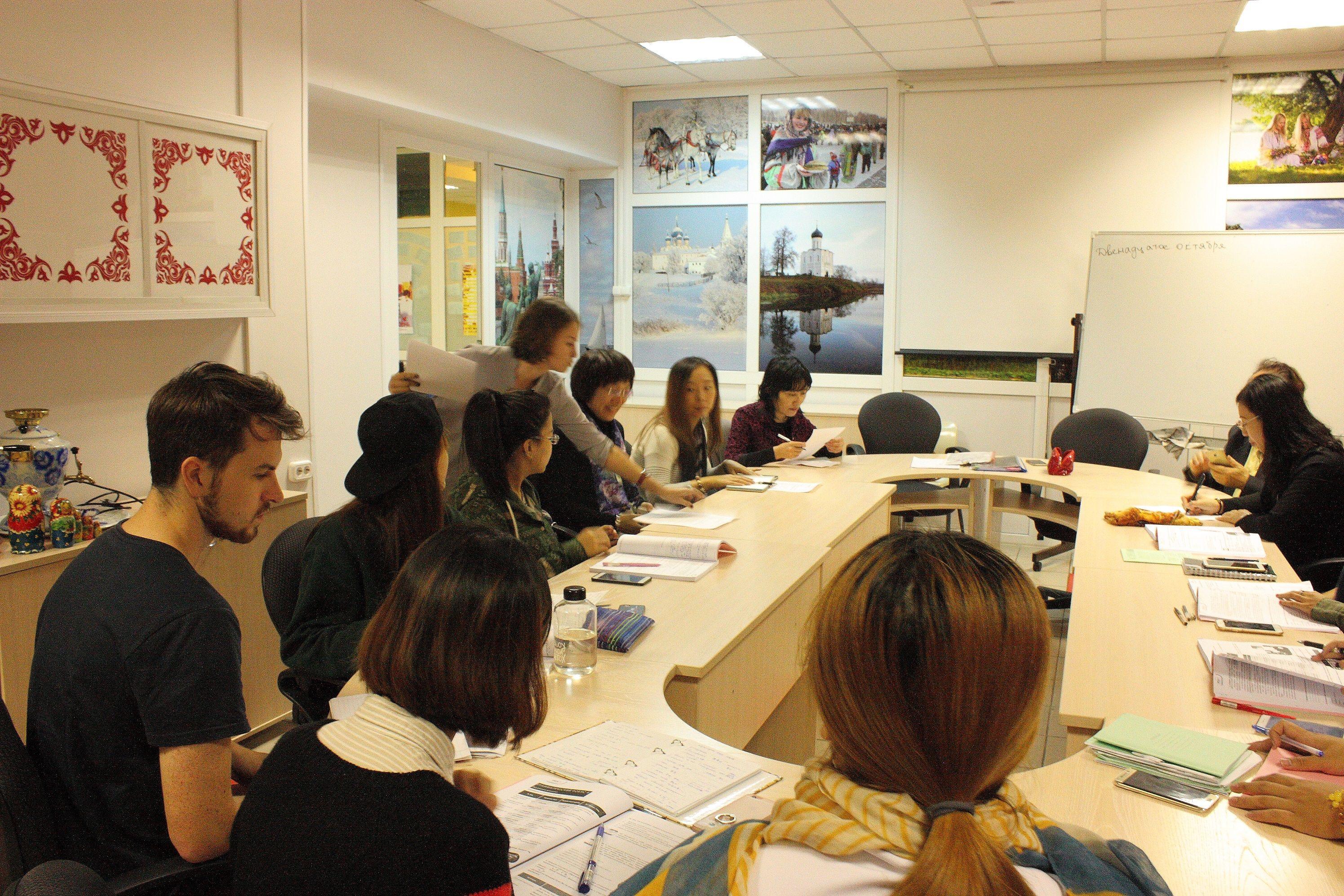 Российские и китайские преподаватели русского языка встретились во ВГУЭС