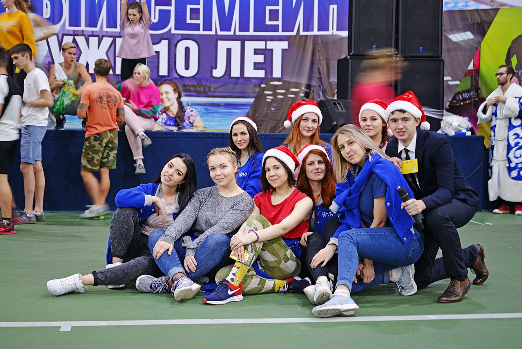 Новогодняя спортивная эстафета в СК «Чемпион» ВГУЭС: спортивный дух и положительные эмоции