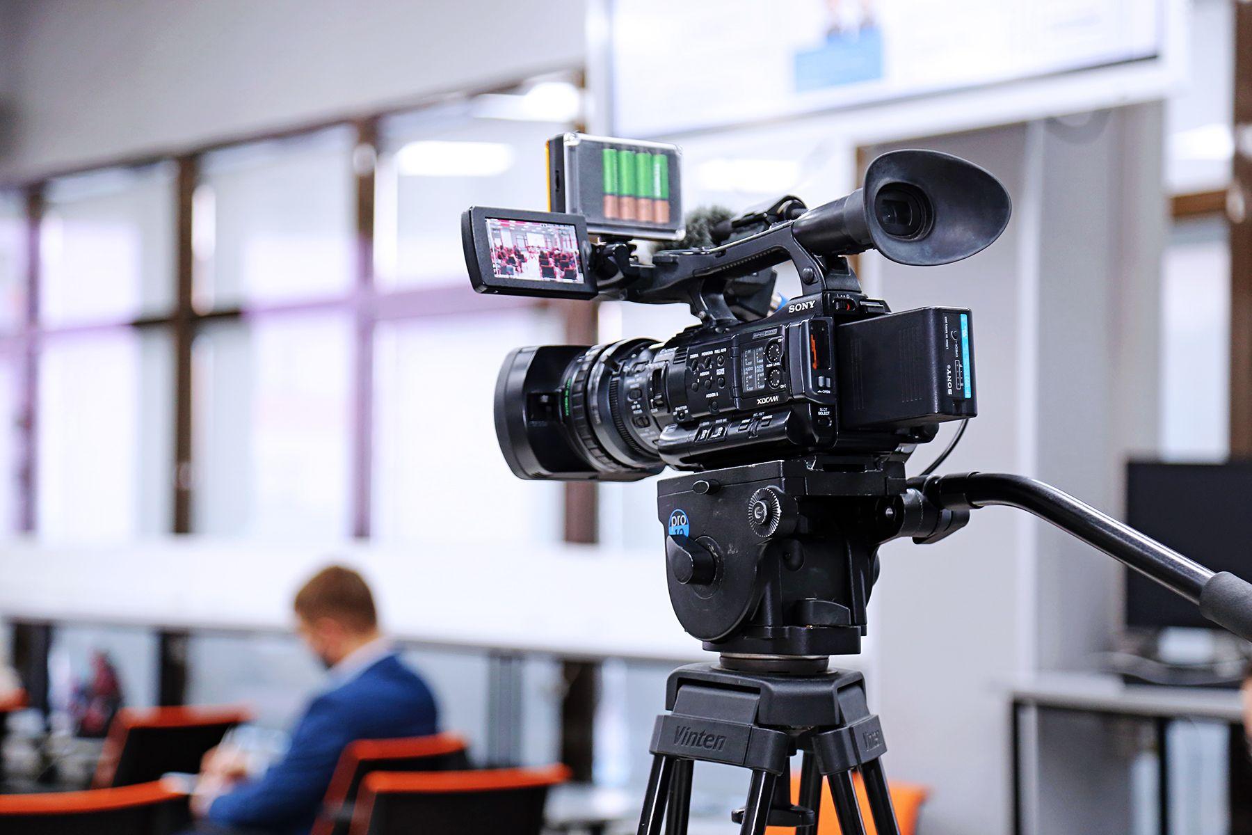 «Папа Левчук»: документальный фильм выпускниц Высшей школы телевидения ВГУЭС об истоках дальневосточной журналистики