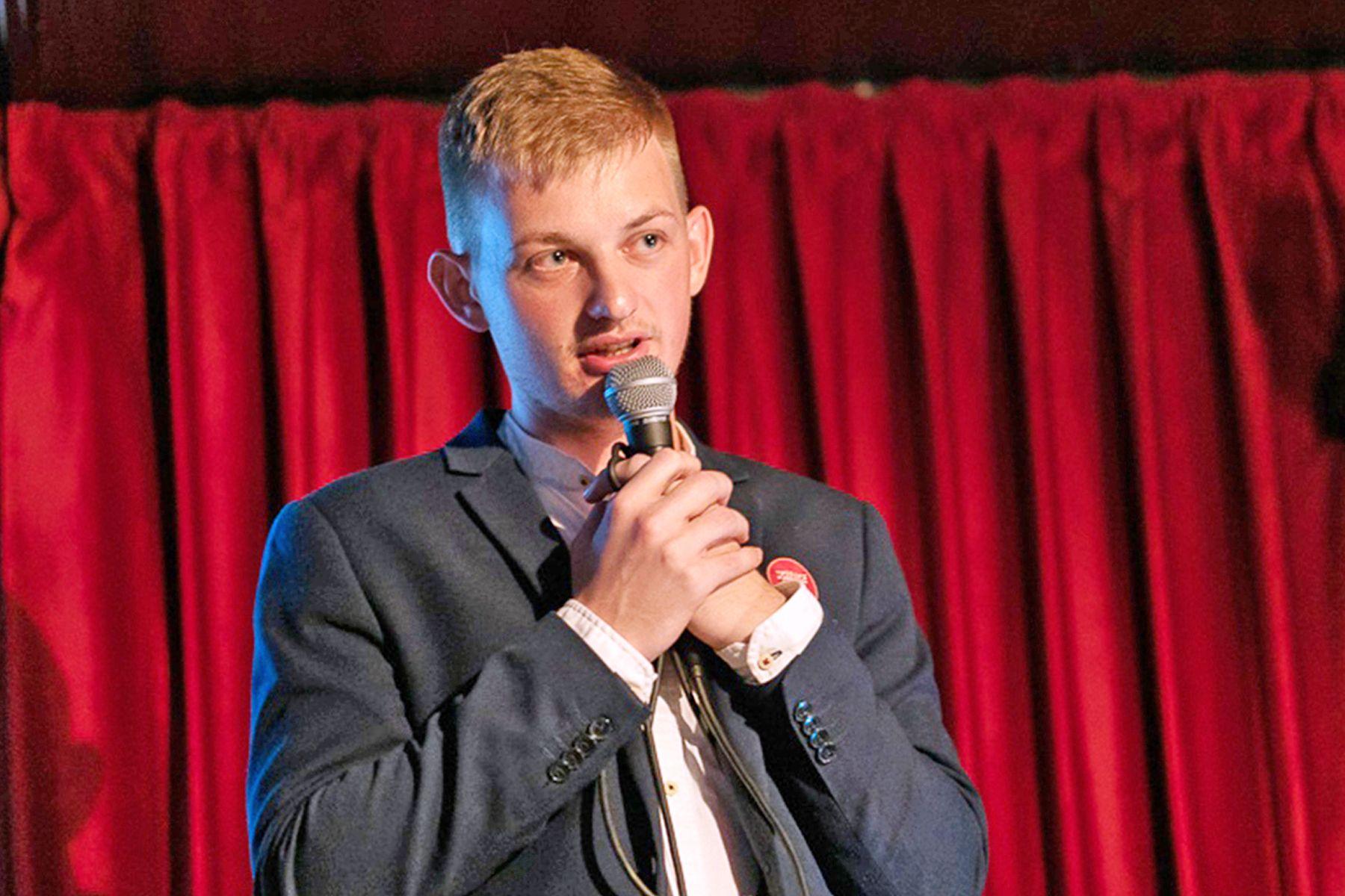 Преподаватель кафедры философии и юридической психологии ВГУЭС Александр Самойличенко победил в битве ученых Science Slam