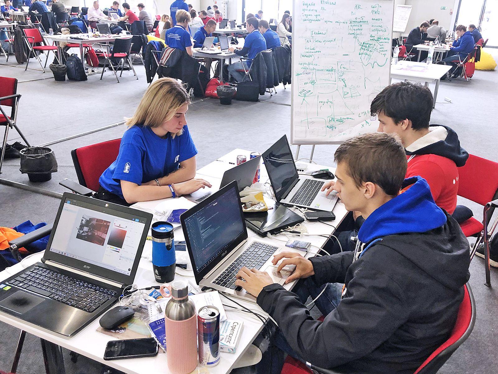 Студенты ВГУЭС: «Цифровой прорыв» – новые IT-решения для бизнеса и жизни