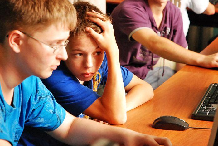 Школьники Приморья участвуют в Интернет-олимпиаде ВГУЭС