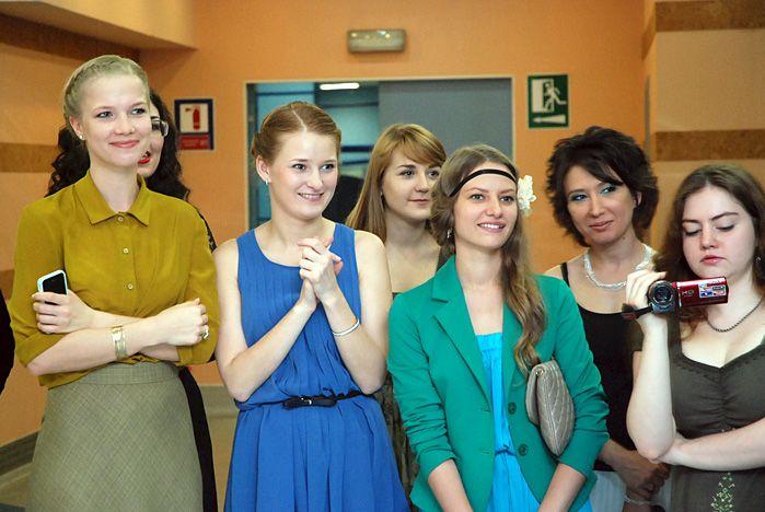 Выпускников кафедры дизайна и кафедры сервиса и моды ВГУЭС поздравили с окончанием университета