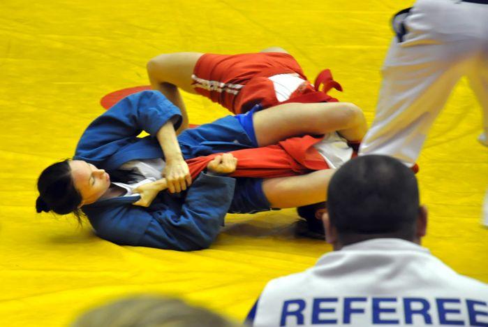 Самбистки ВГУЭС стали призёрами всероссийских соревнований по самбо