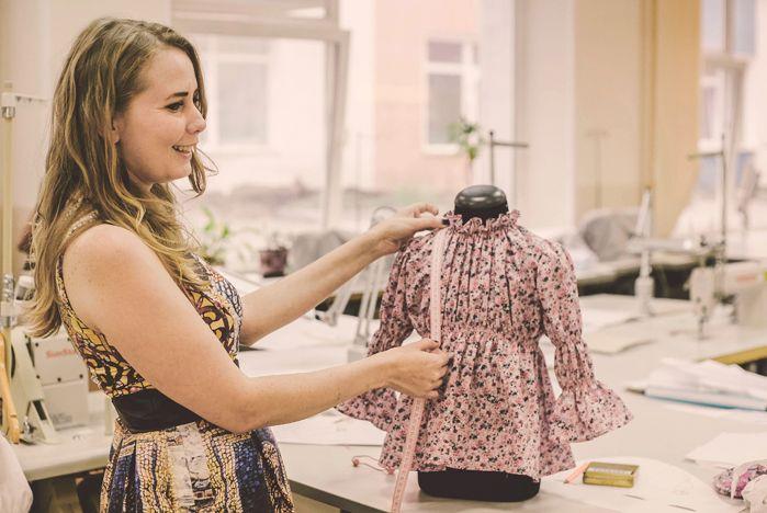 Вакансия дизайнер одежды удаленная работа удалённая работа в европе из россии