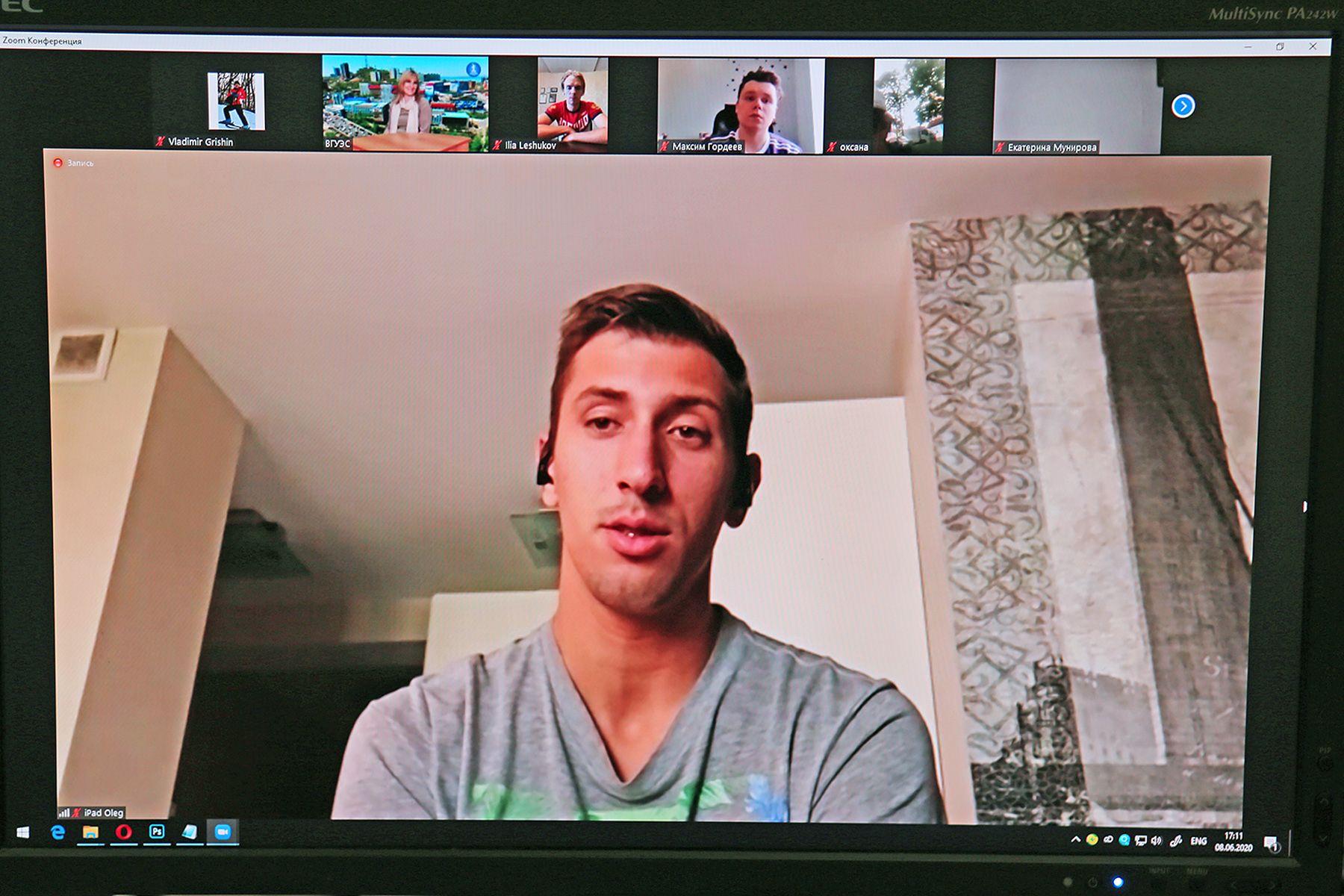 Спорт в России стремительно развивается: чемпион мира по пляжному волейболу Олег Стояновский на онлайн-встрече во ВГУЭС