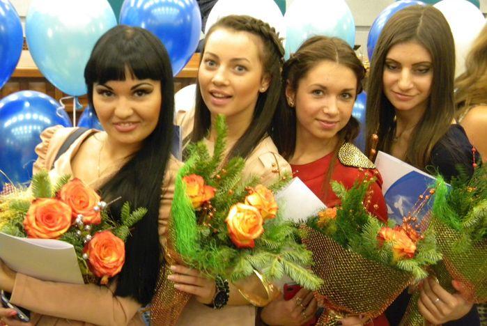 Талантливая молодежь ВГУЭС получила премии главы города