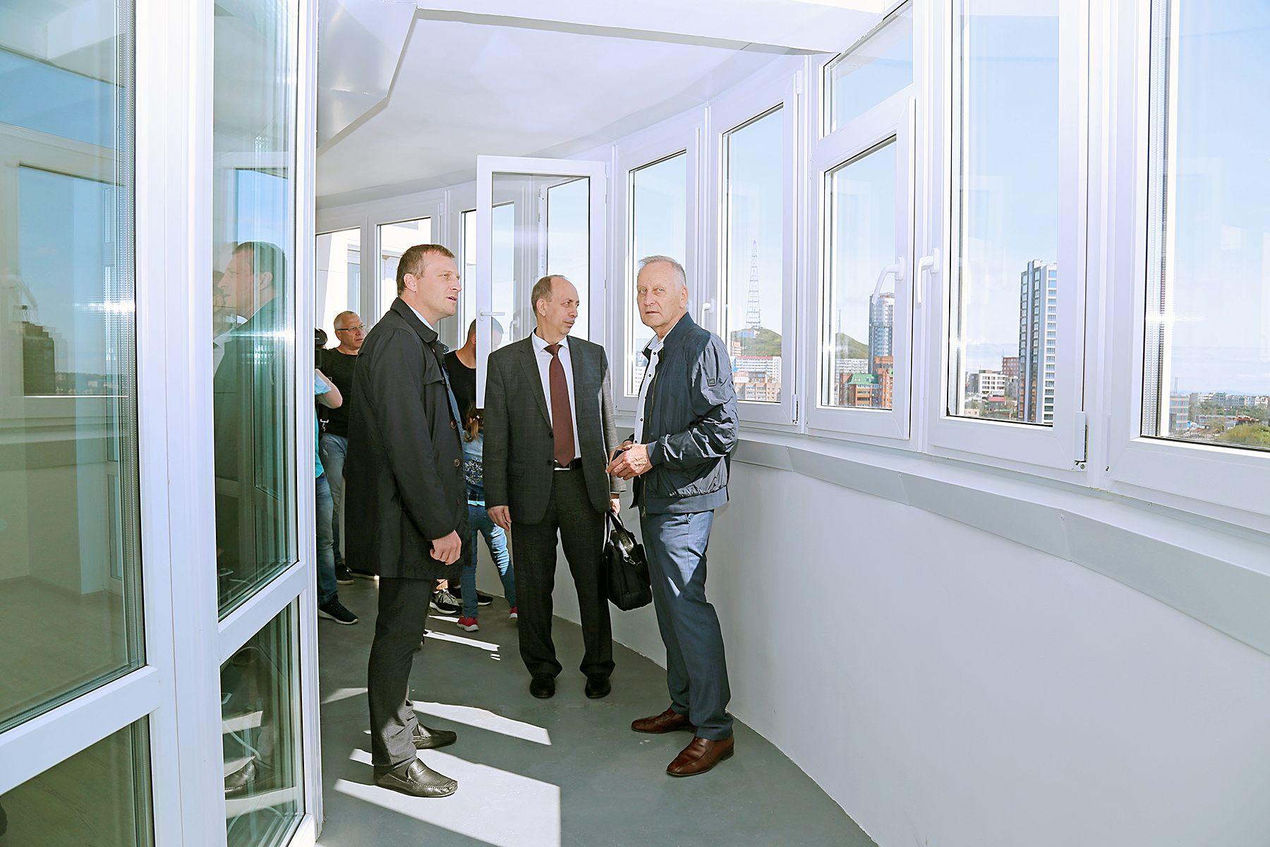 ВГУЭС построил второй 27-этажный дом для преподавателей и сотрудников: жилой комплекс в центре города встречает счастливых новоселов