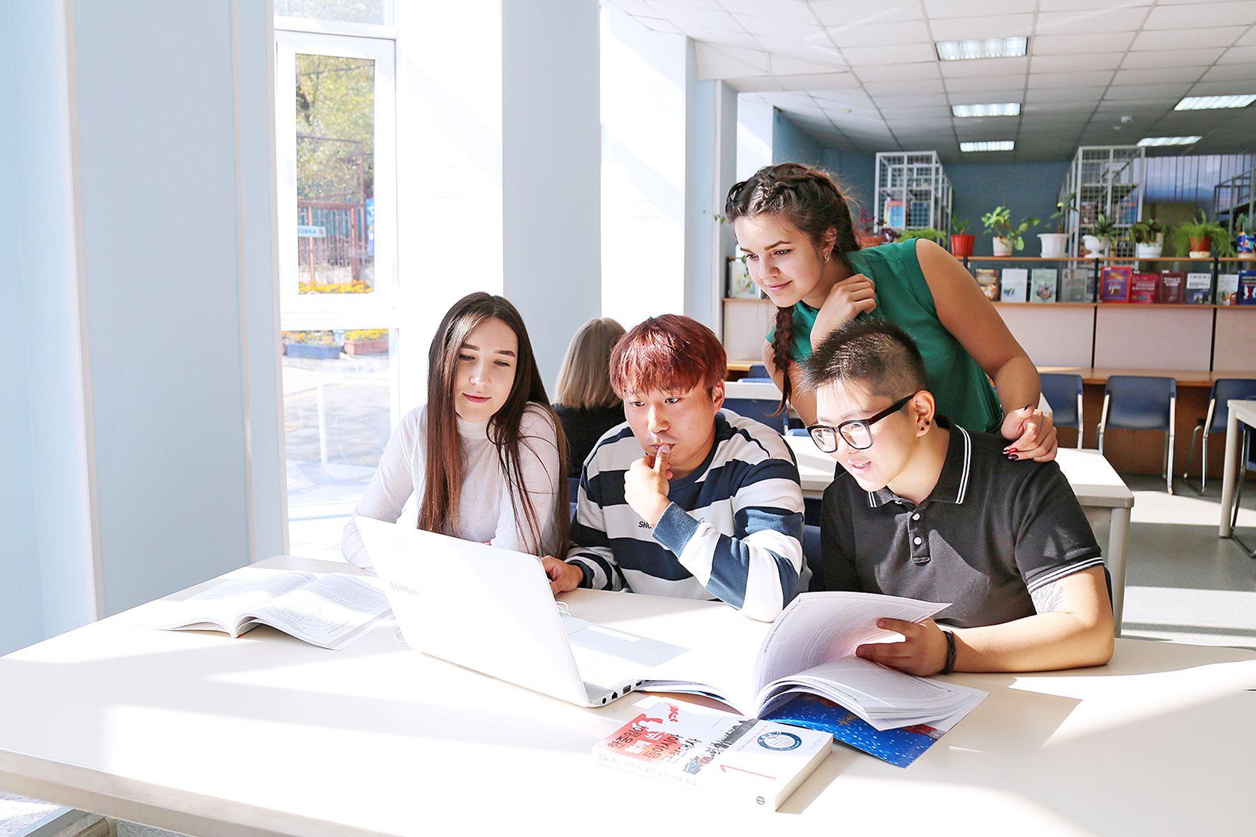 «Университет делится своими достижениями» - проект ВГУЭС о новых знаниях и актуальных технологиях.