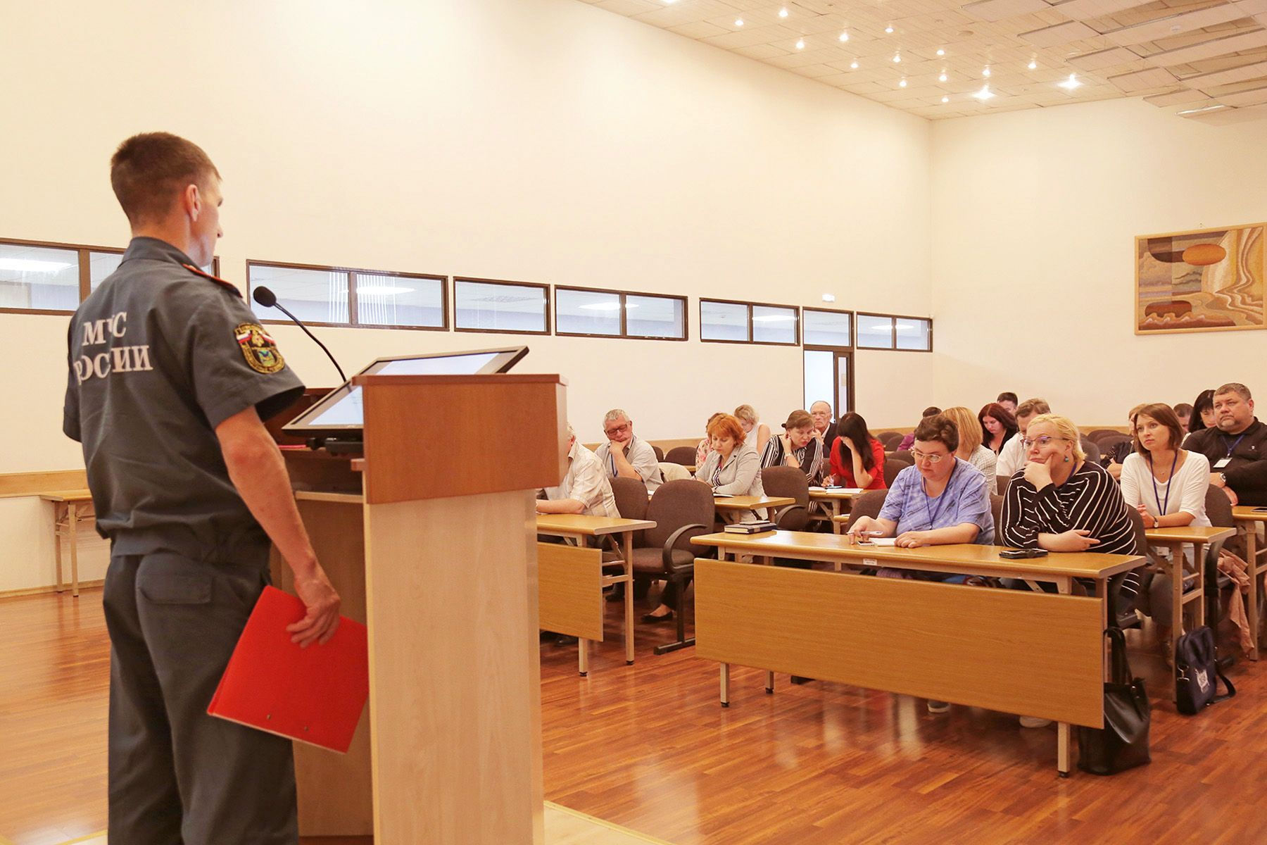 Фоторепортаж: руководители подразделений ВГУЭС проходят обучение по гражданской обороне и сдают экзамены