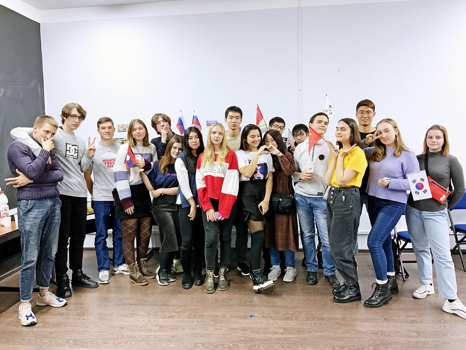 VSUES International Club: изучение иностранных языков и новые друзья из разных стран