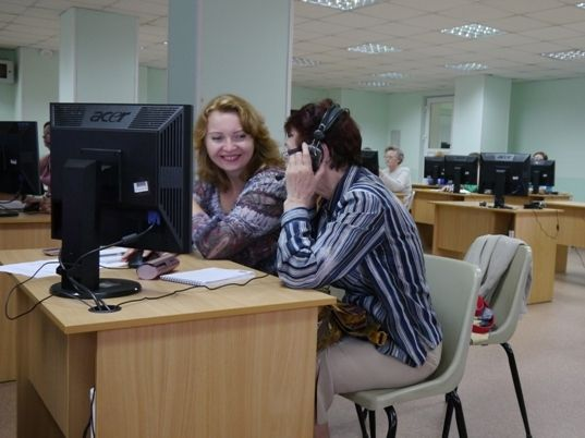 Преподаватели ВГУЭС провели семинар для учителей иностранных языков