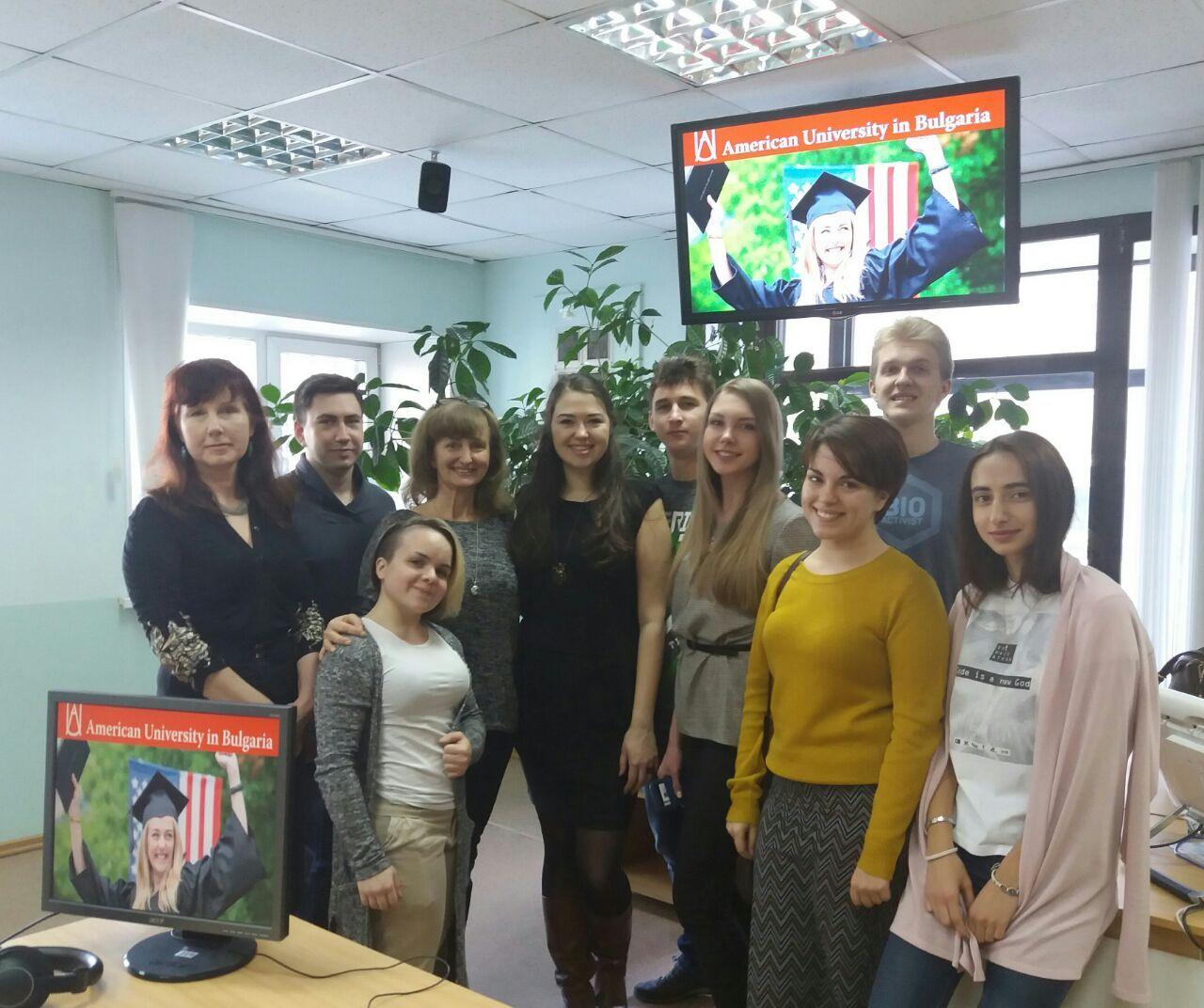 Выпускница программы «Переводчик в сфере профессиональной коммуникации» Александра Донина посетила ВГУЭС