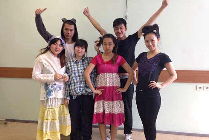 На олимпиаде по русскому языку китайские студенты ВГУЭС получили заслуженные награды