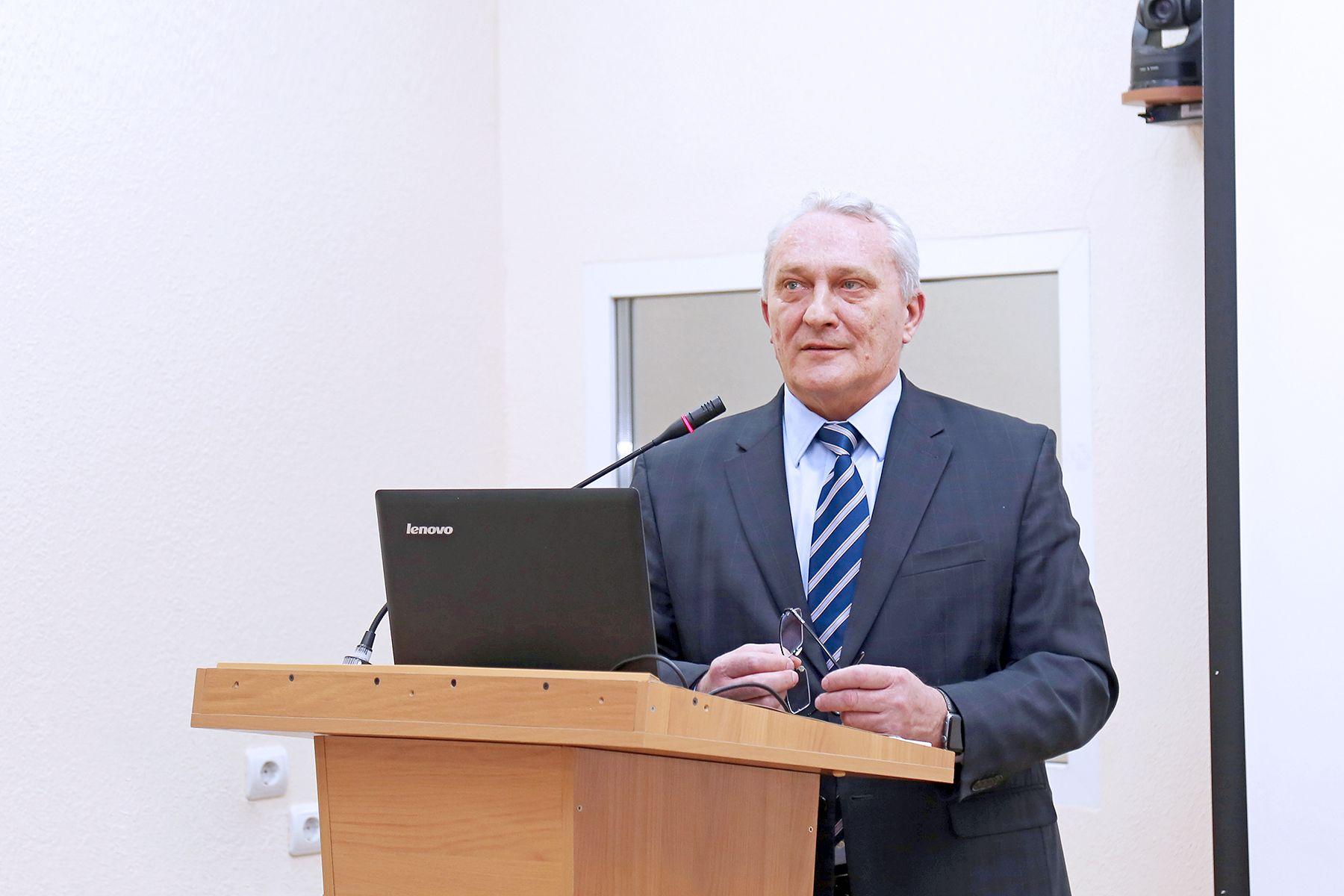 Андрей Броварец, руководитель Представительства МИД России в г. Владивостоке во ВГУЭС – об особенностях российской дипломатии