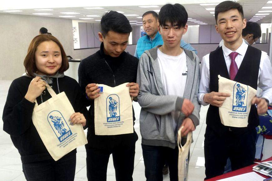Абитуриенты Монголии заинтересовались образованием во ВГУЭС