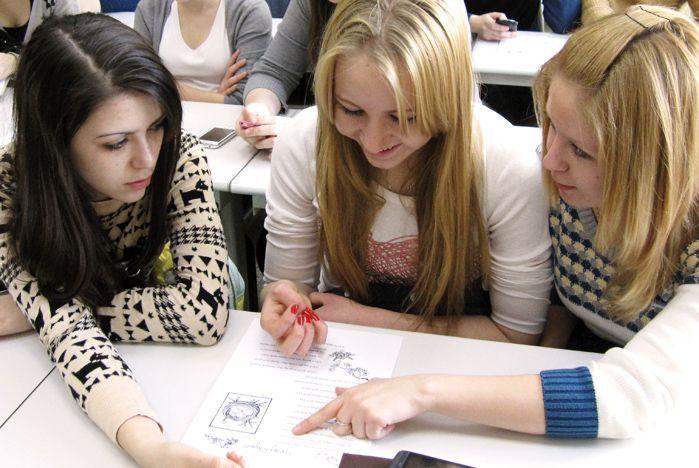 Школьники Владивостока знакомятся с Институтом иностранных языков ВГУЭС