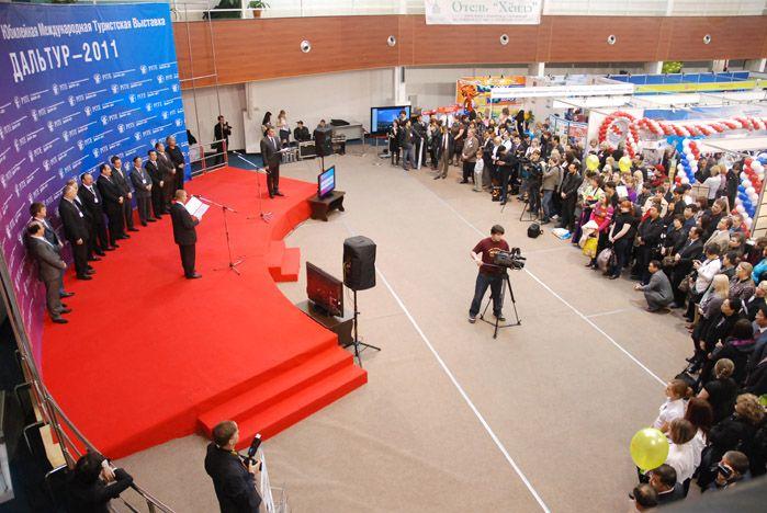 Студентка ВГУЭС победила в конкурсе экскурсоводов XV Международной выставки «Дальтур–2011»
